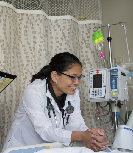 Dr. Genevieve Pagalilauan visits a patient.