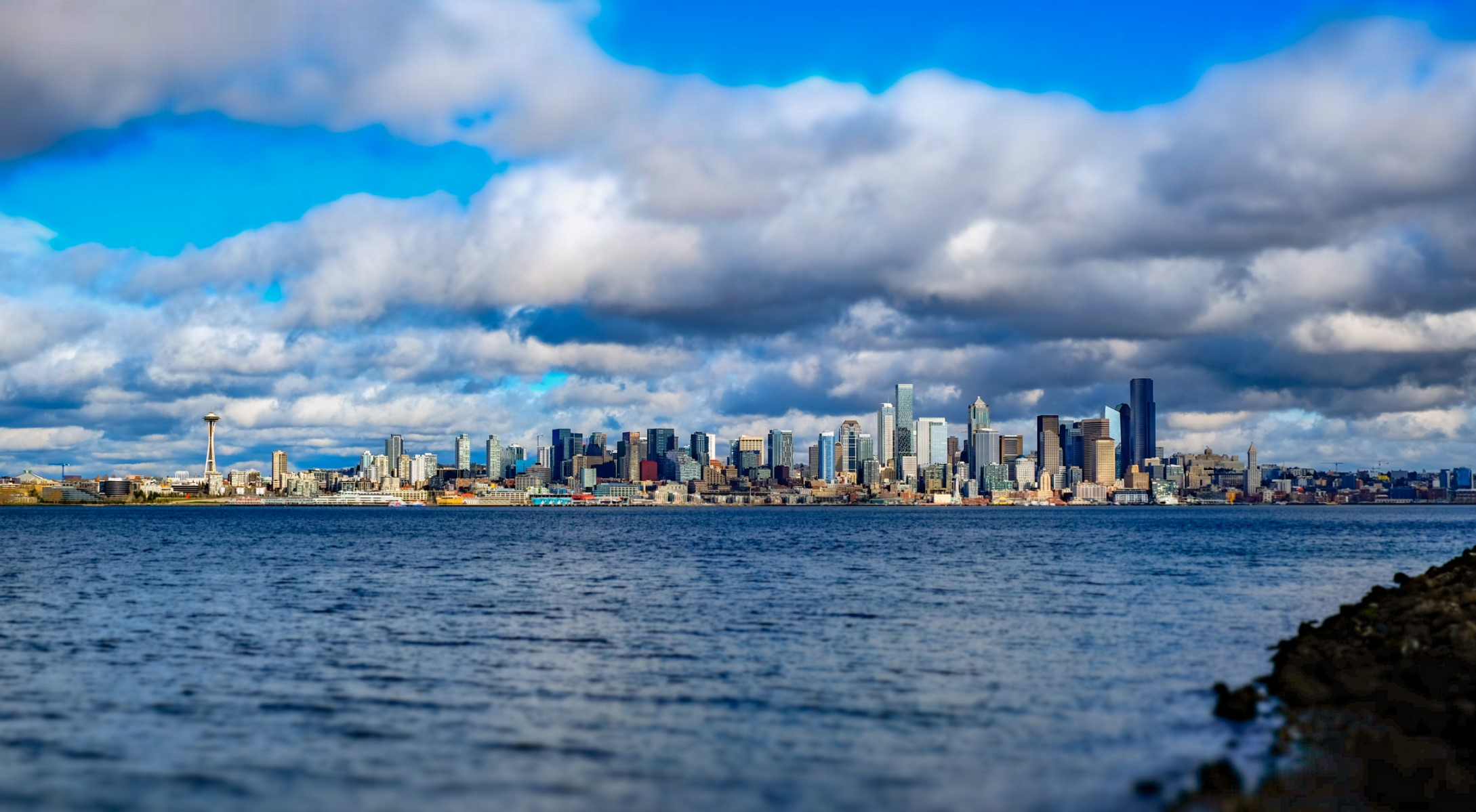 Seattle skyline from across the water on a sunny day
